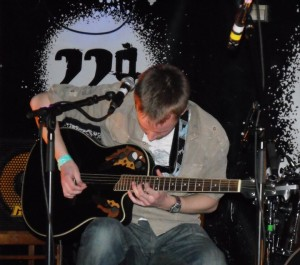 Tom playing at 229 Bar in London, 2011.