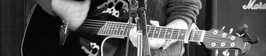 cropped-cropped-Tom-bw-acoustic-guitar-shot-Nanny-Silver1.jpg